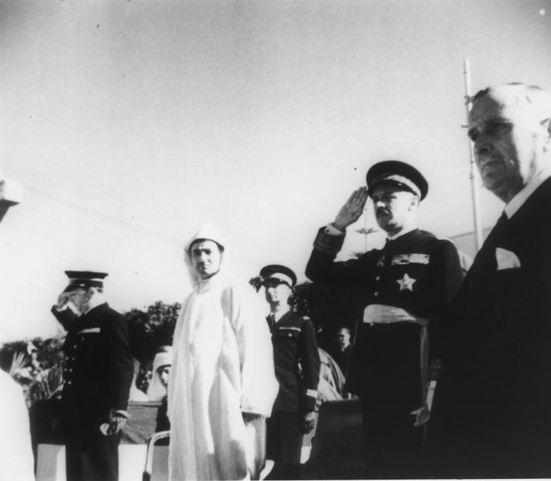 Le général Noguès et le roi Mohammed V à Rabat, le 11 novembre 1942.