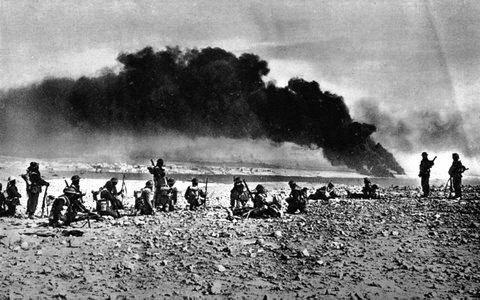 "<a href=""/en/2950"">British soldiers fighting in North Africa during World War II</a>"
