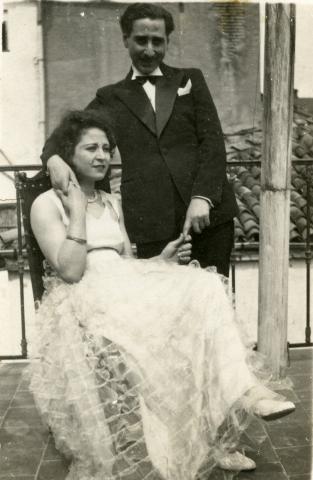 "<a href=""/he/2895"">יהושע ואנה-קלוד גוזלן ביום חתונתם, קונסטנטין, אלג'יריה, 1933</a>"